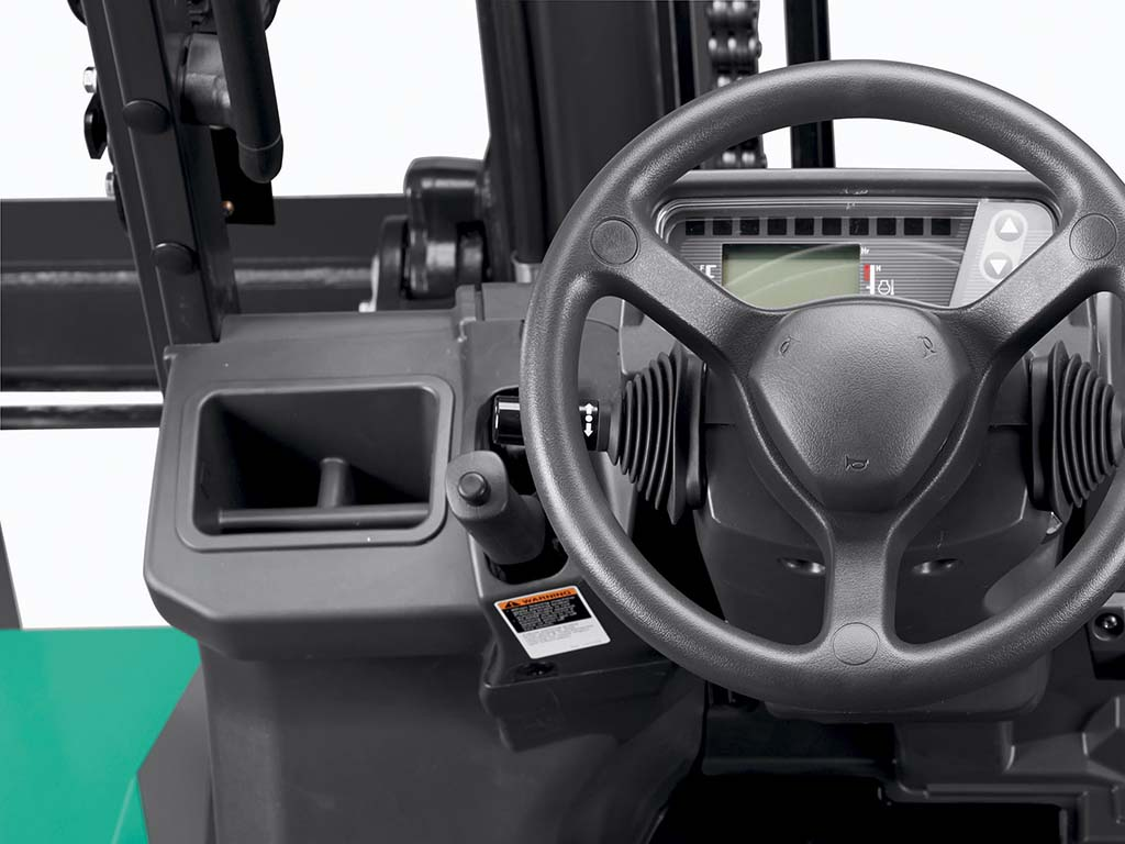 Mitsubishi FD70N1 Series TREXIA ES - Popular feature #2: Ergonomic parking brake - Fast and easy to operate. Increases operator and pedestrian safety whilst reducing product damage. -  Diesel Counterbalance - Mitsubishi Forklift Trucks - Mitsubishi Forklift Trucks